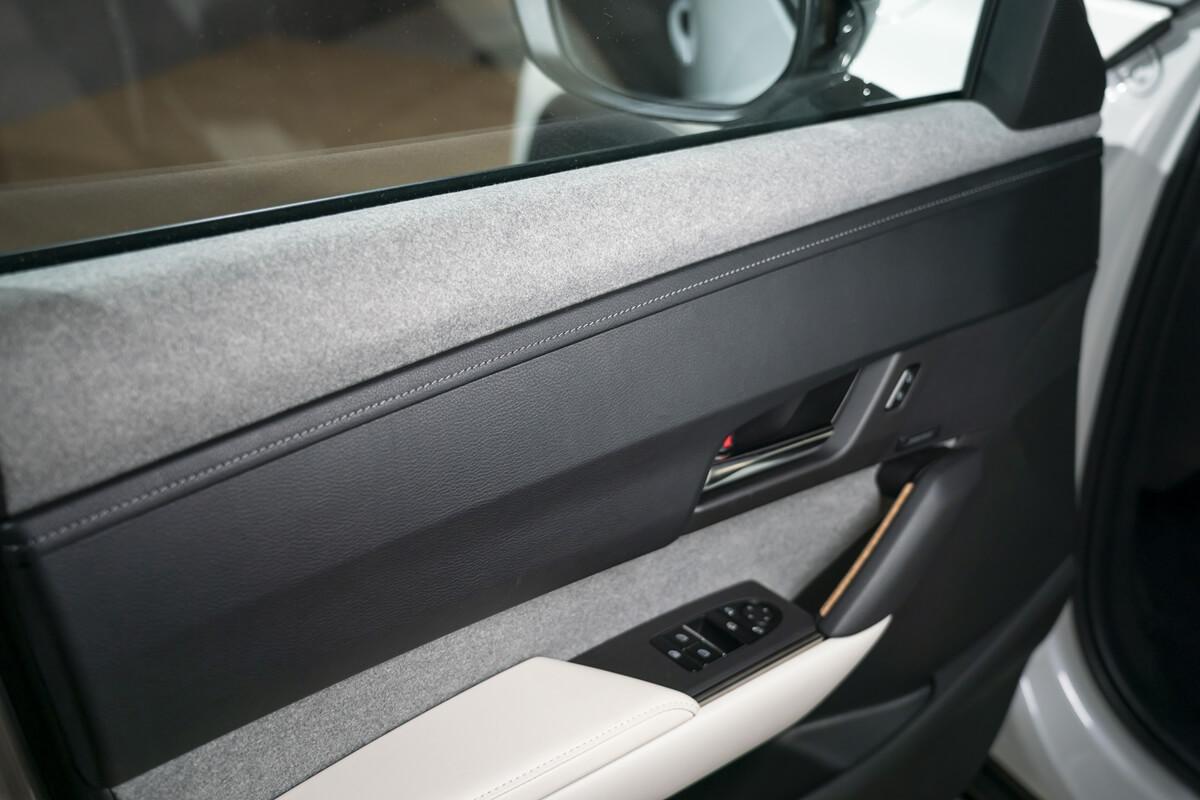Mazda-MX-30-Design-Model-Static_Interior-3.jpg