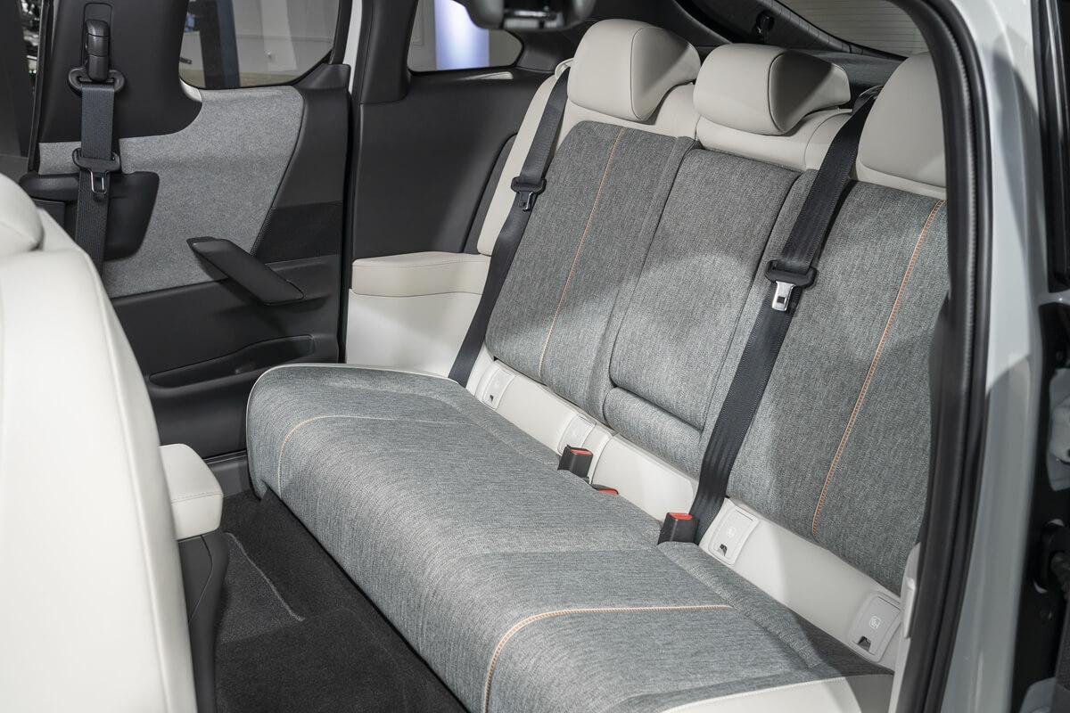 Mazda-MX-30-Design-Model-Static_Interior-16.jpg