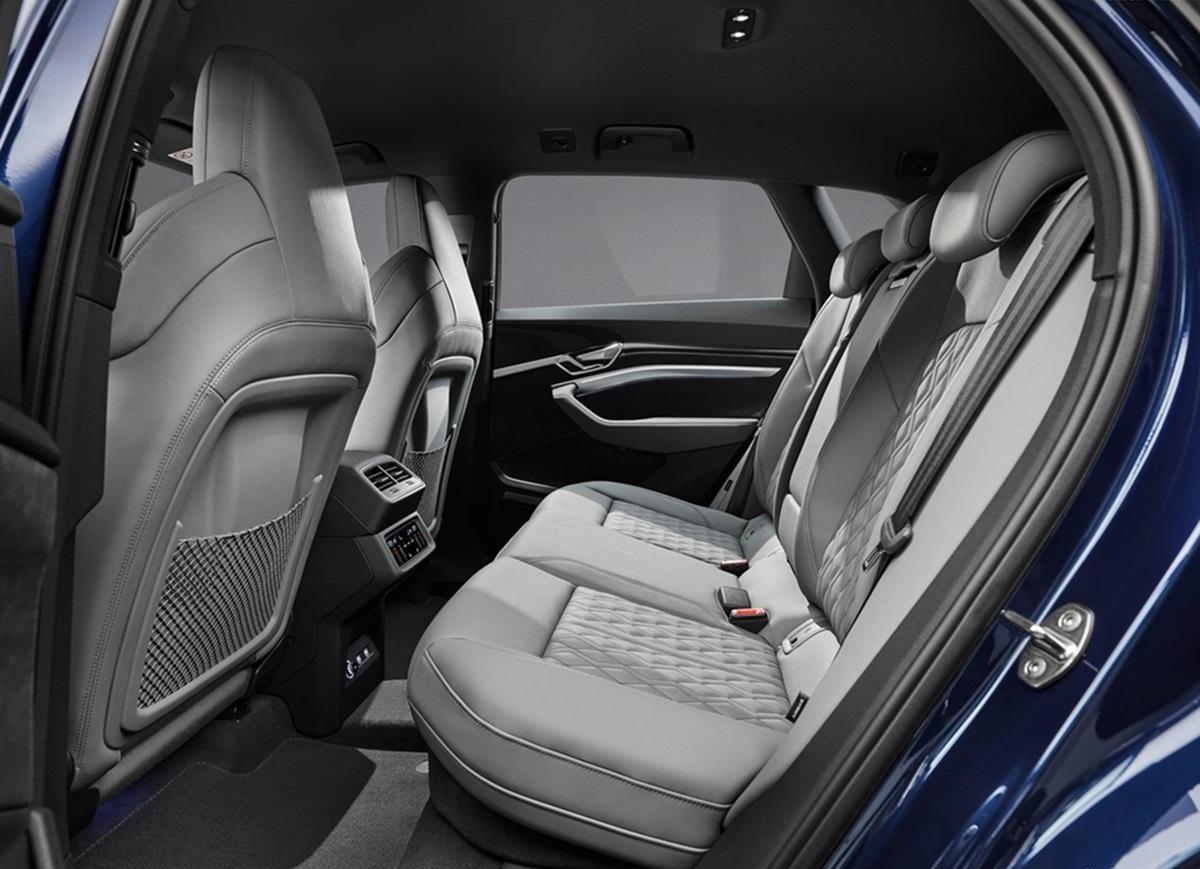 Audi-e-tron_S-9.jpg