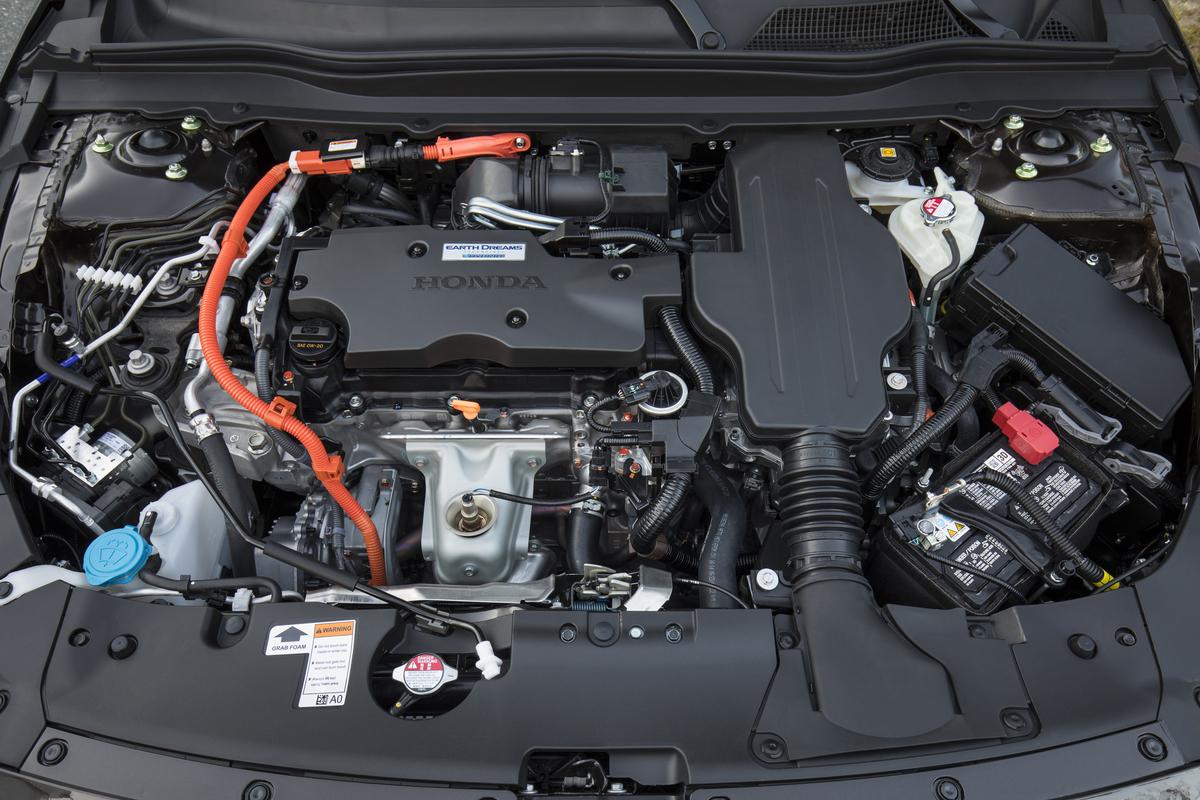 2018_Honda_Accord_Hybrid__013.jpg