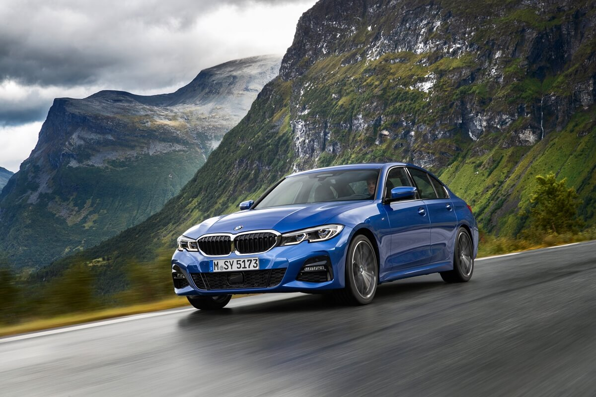 P90323670_highRes_the-all-new-bmw-3-se.jpg