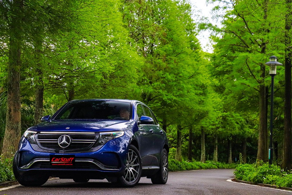 mercedes-benz-eqc400-4matic-amg-line