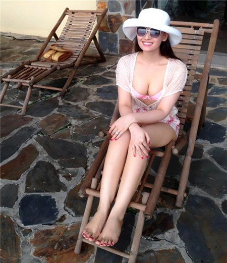 4 xu hướng đồ bơi đang khiến kiều nữ Việt