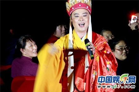 Từ Thiếu Hoa thường thể hiện lại các ca khúc nổi tiếng của Tây Du Ký tại các sự kiện mà ông tham gia.