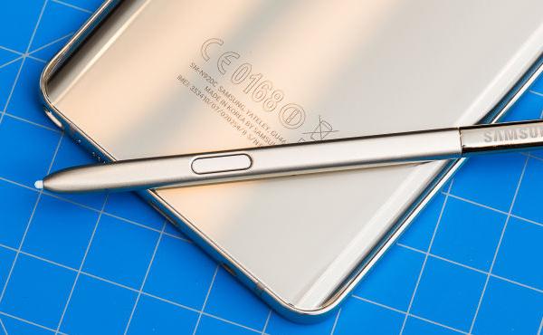 Samsung 終於屈服: 新一批 Galaxy Note 5 修正重大設計問題!