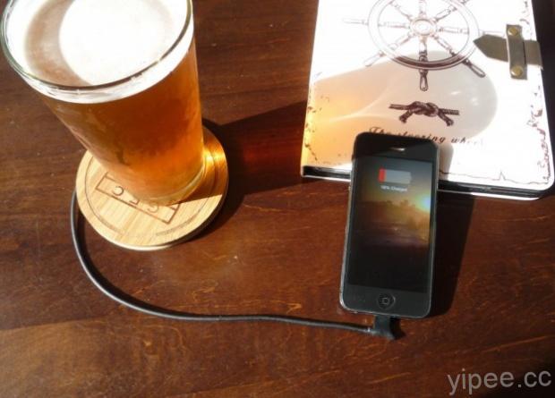 超酷的!杯墊、胡椒鹽架和燭台竟然都是手機充電器!
