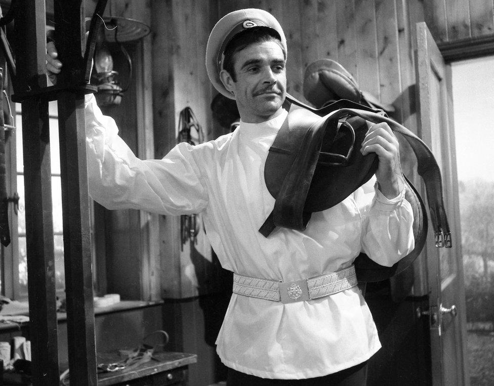 康纳利1961年在BBC的《安娜·卡列尼娜》中饰演弗龙斯基伯爵。