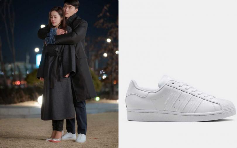 編輯推薦:adidas Originals Superstar白球鞋/ 3,090元(圖/NEFLIX,品牌提供)