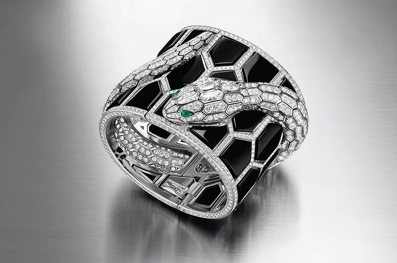 Serpenti Misteriosi Romani縞瑪瑙珠寶腕錶,定價:12,386,000元(圖/寶格麗提供)