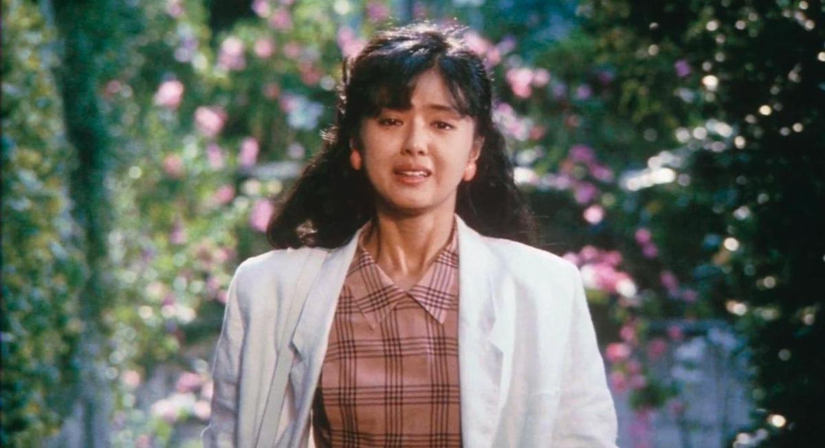 荒井晴彥改編的電影《W的悲劇》,獲每日新聞電影獎和電影旬報最佳劇本獎。(翻攝自youtube-ycmmoviesclipschannel)