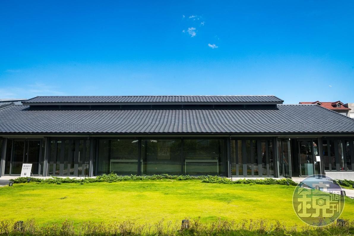 2017年由「多力米故事館」梁正賢先生提供並自費改建的「池上穀倉藝術館」。