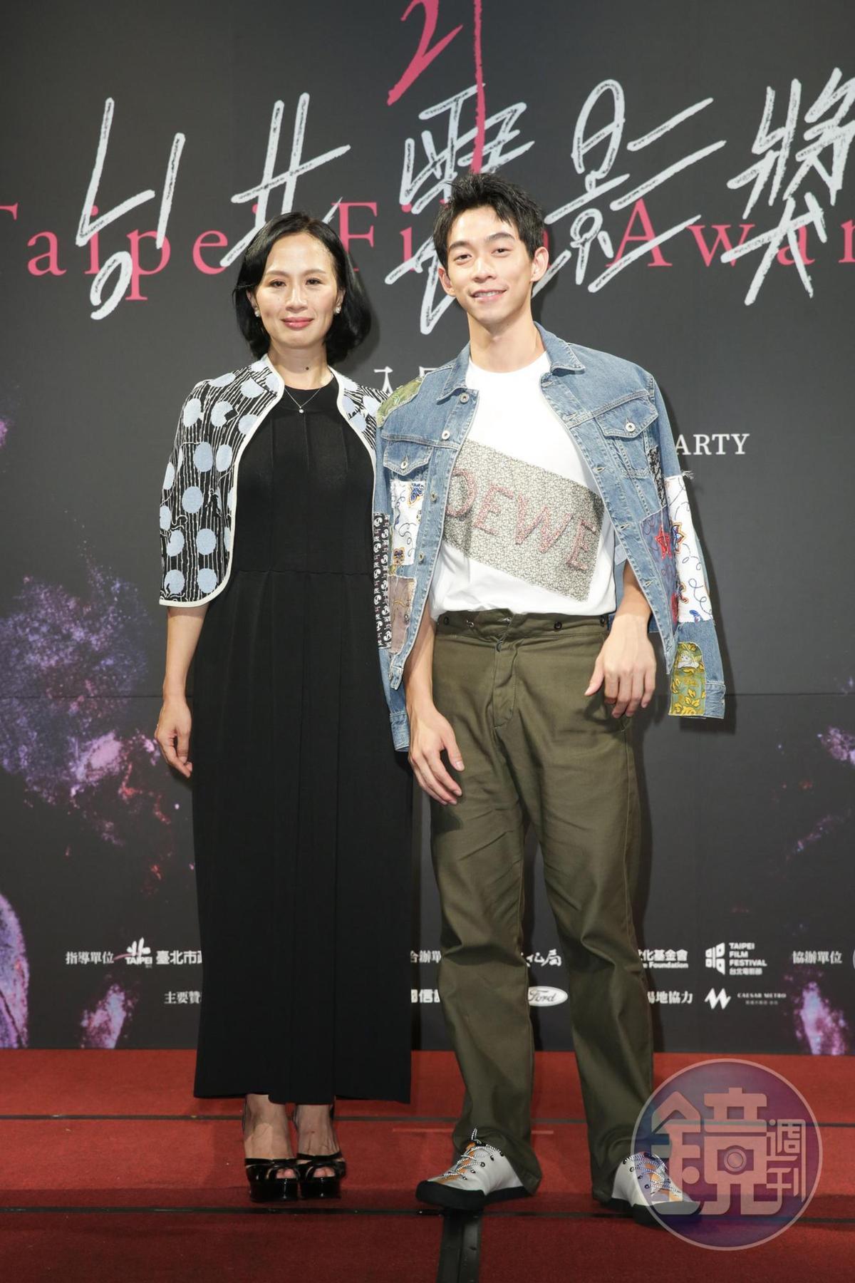 黃采儀(左)一改形象,在短片《情色小說》挑戰性愛場面,不但入圍最佳女主角,對手演員王可元(右)也入圍最佳新人。