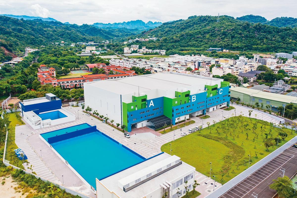 耗資近8億元打造的中台灣影視基地採公辦民營,並定位為「水特效拍攝基地」。