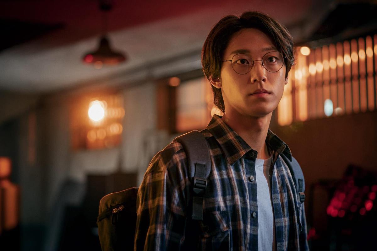 在《重返18歲》受到注目的李到睍在訪問中曾連自己也好奇《Sweet Home》的劇情發展。(Netflix提供)