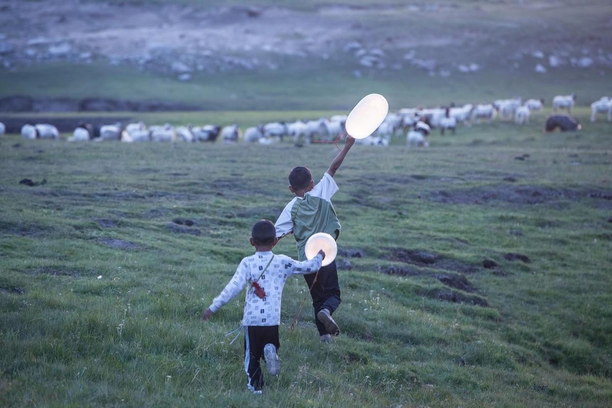 《氣球》後製陣容堅強,台灣音效專家杜篤之與資深剪接師廖慶松均有參與。(萬瑪才旦提供)