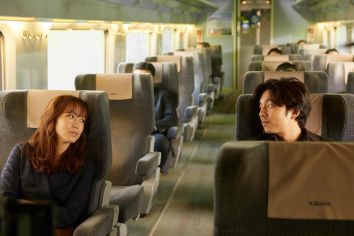孔劉與全度妍演出在芬蘭偶遇的中年男女。(可樂電影提供)