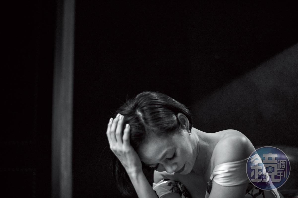 表演總有謝幕的時候, 楊雁雁說: 「我站在台上,我是一個角色, 我就不是楊雁雁。」