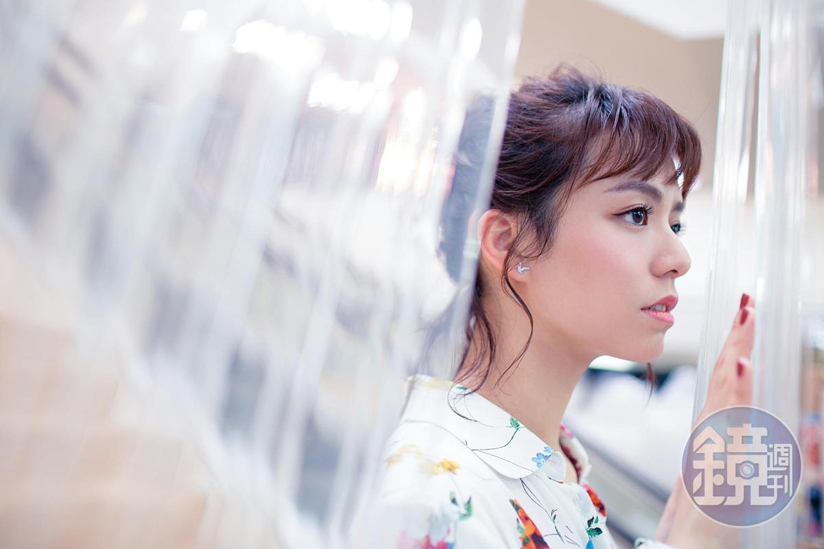 青春片女神7月有2部電影上檔,不再只有青春正盛的面貌,得藏得很深的情緒,讓宋芸樺曾經懷疑自己做不到。