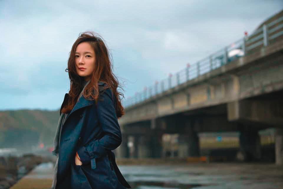 尹馨因施立作品《回家的女人》獲電視金鐘獎迷你劇集/電視電影女主角獎。(施立提供)