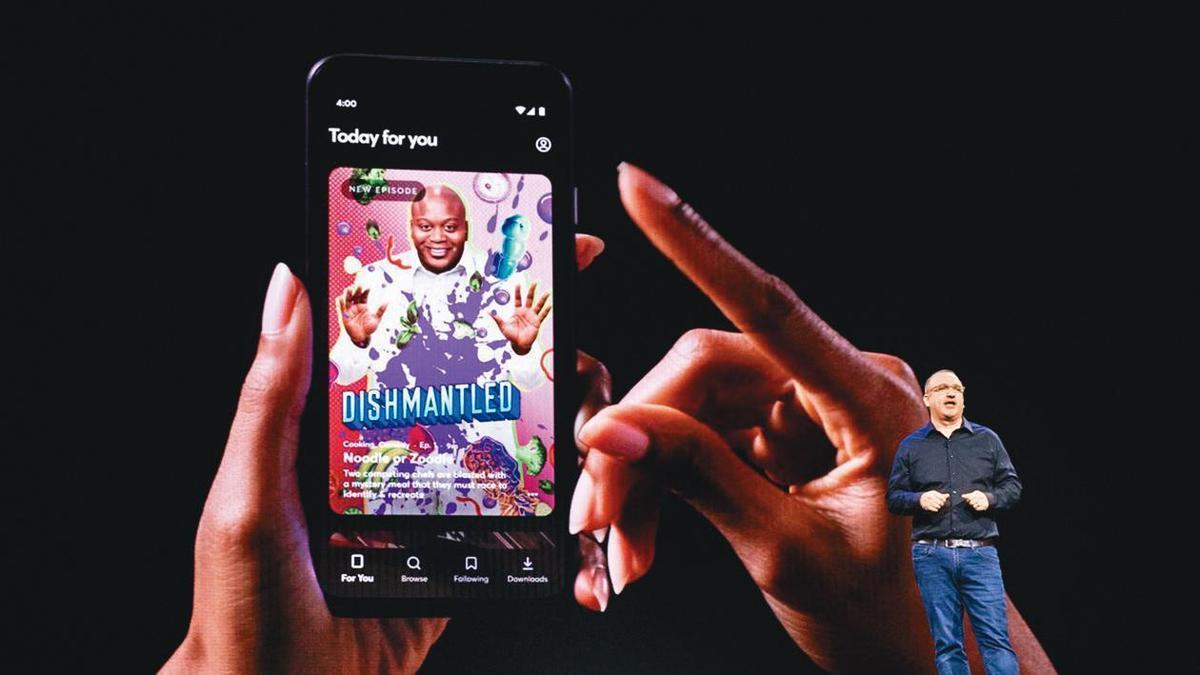 專為手機開發、提供短形式影音節目的全新串流服務Quibi尚未上線,但已有1億5,000萬美元廣告收入。(翻攝自flipborad.com)