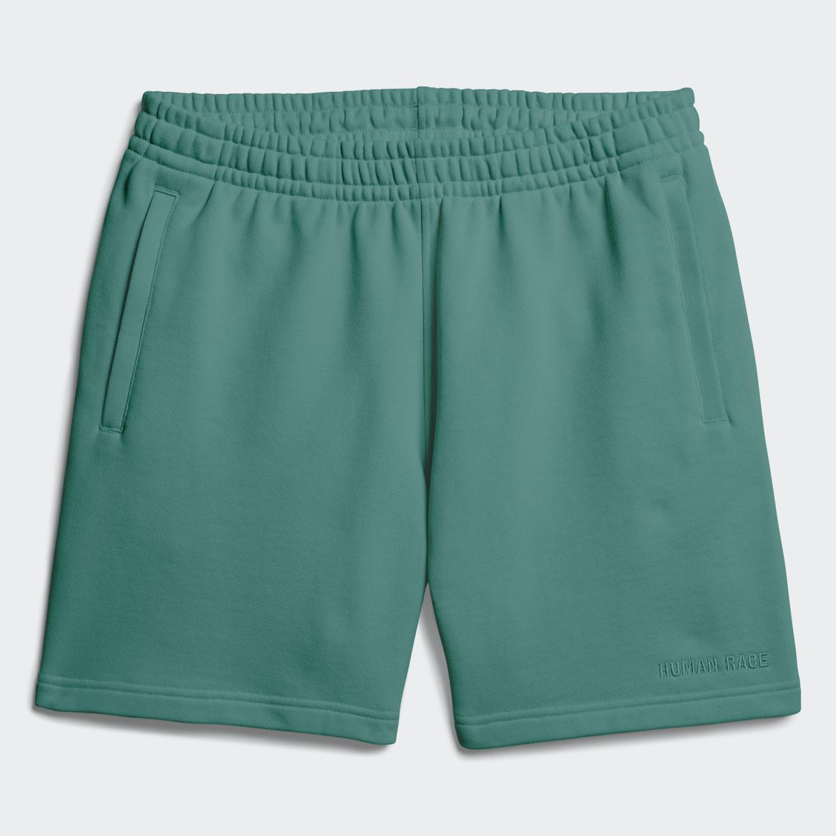 Pharrell Williams Premium Basics短褲。NT$2,490(adidas Originals提供)