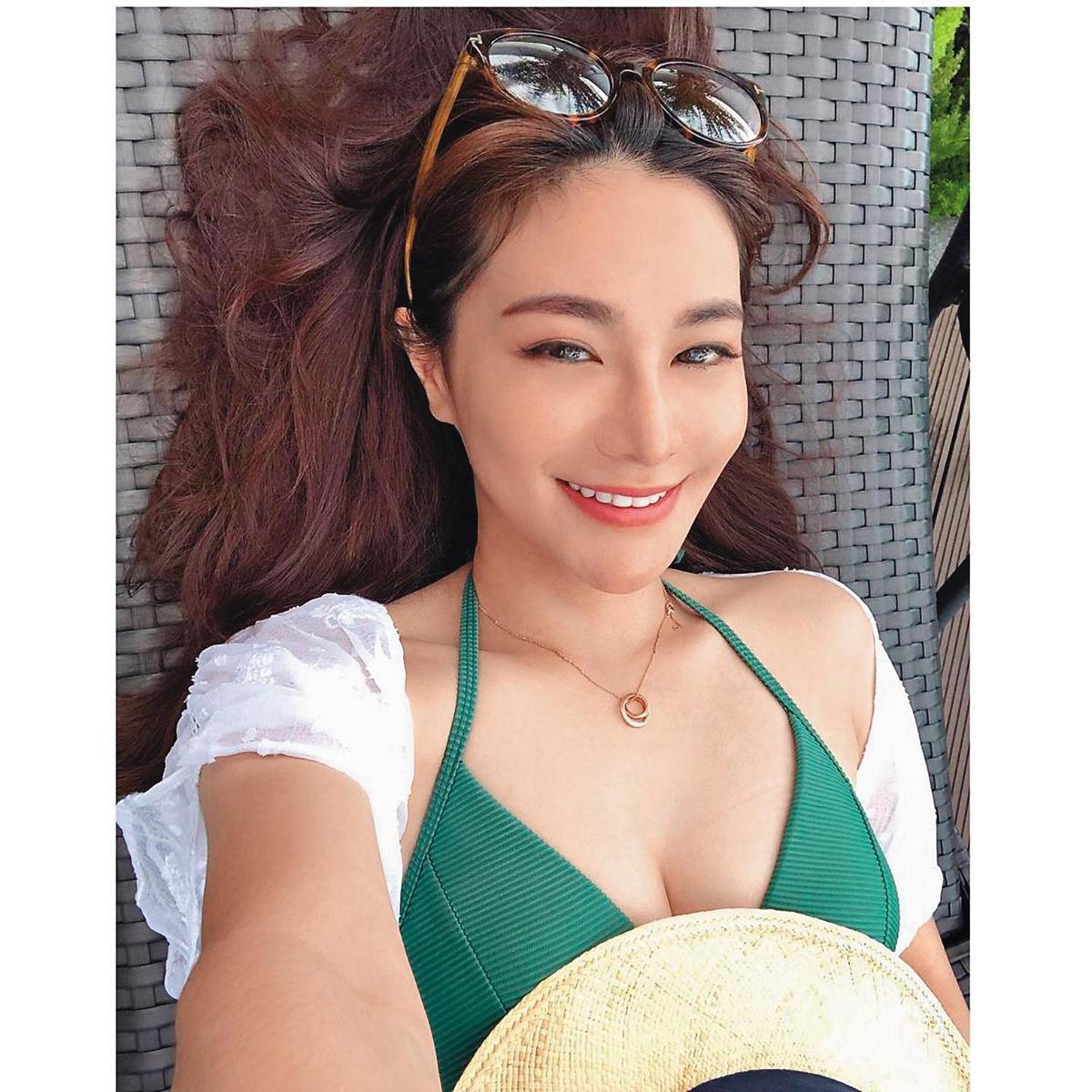 雖已是39歲熟女,林以婕對自己的身材相當有自信,常上傳一些辣照。(翻攝自林以婕IG)