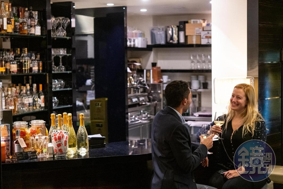 「Molo73」餐廳酒單相當豐富,共有400種義大利國內外酒款。