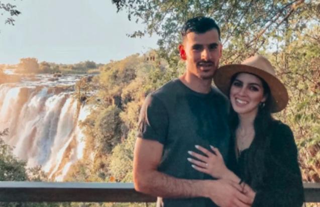 南非小夫妻受困馬爾地夫進退兩難,現在爽爽度假,食宿由政府買單。(翻攝自網路)