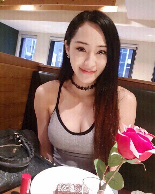 傅靖瑜時常在社群媒體分享自己的辣照。(翻攝自傅靖瑜IG )