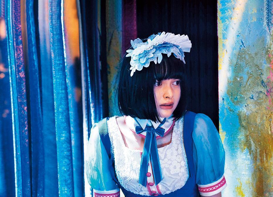 美日混血的玉城蒂娜因為帶著悲傷感的可愛臉孔,獲拔擢擔綱女主角。(天馬行空提供)