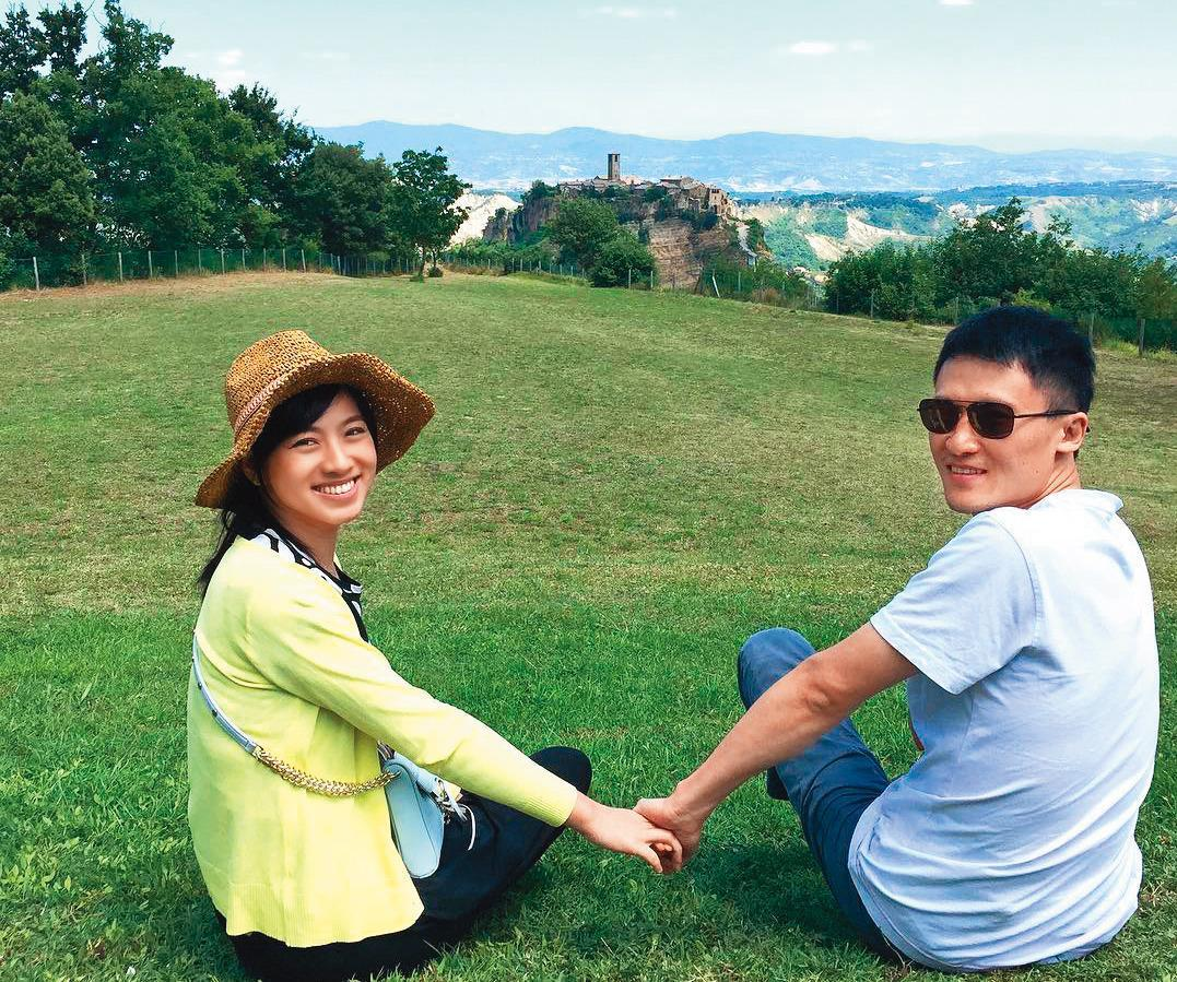 米可白結婚初期還常常曬愛,後來夫妻漸行漸遠,就再也沒po出同框照。(翻攝自米可白IG)