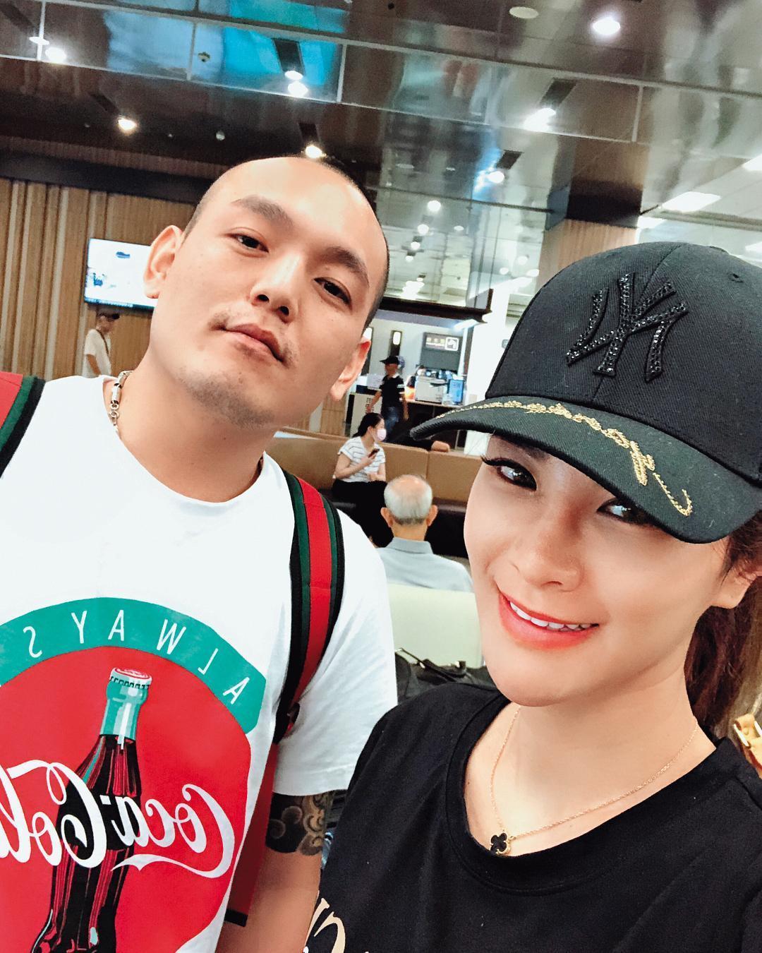 林以婕在娛樂圈的關係似乎頗好,曾與玖壹壹成員春風(左)合照。(翻攝自林以婕IG)