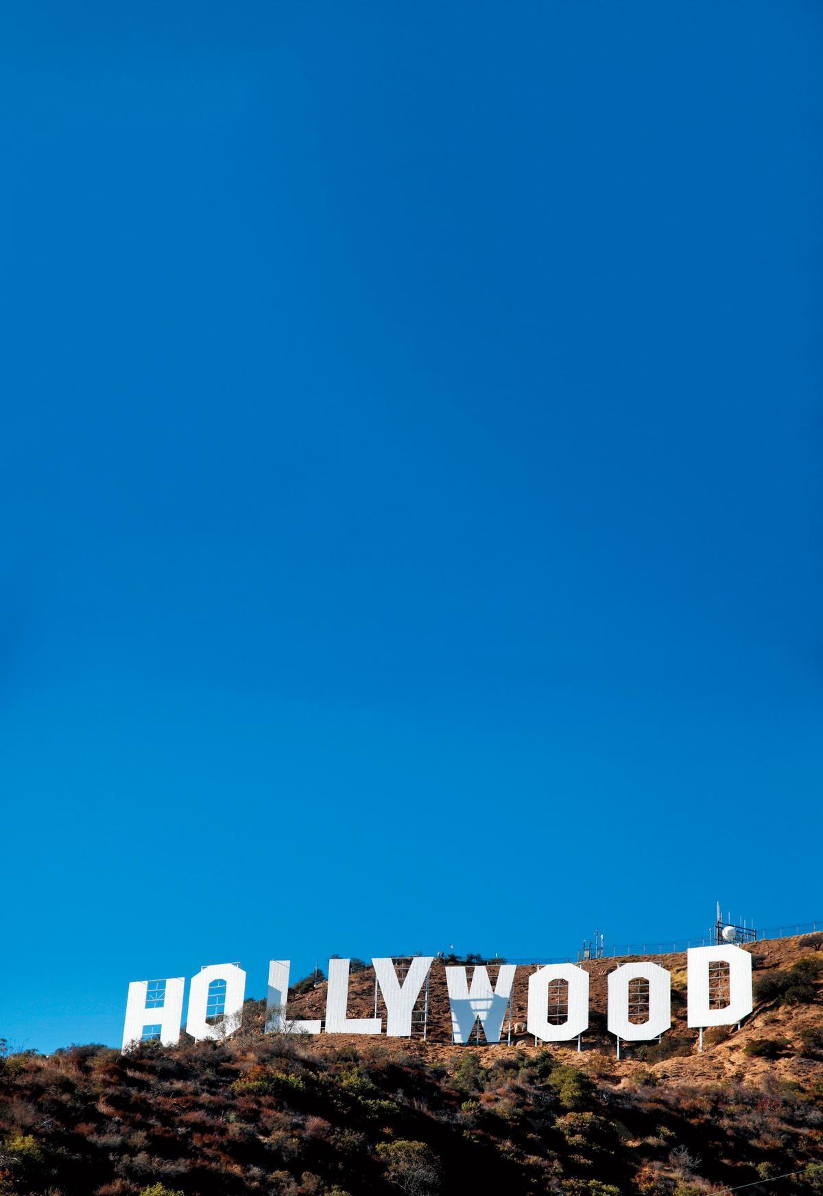 好萊塢編劇工會和經紀人協會連續協商破裂後,最近編劇工會成員集體「炒」掉經紀人。(東方IC)
