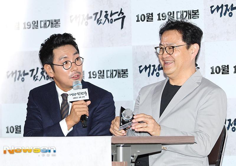 導演李元太(右)表示至今都很感謝趙震雄,也希望之後能再與他合作。(翻攝自Newsen)