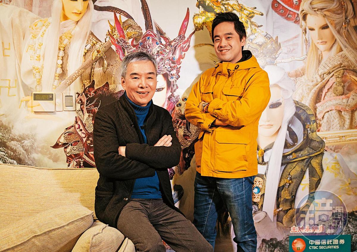 黃強華(左)延攬年輕人才,找來7年級生周悌(右)擔任偶動漫娛樂事業部的總經理。