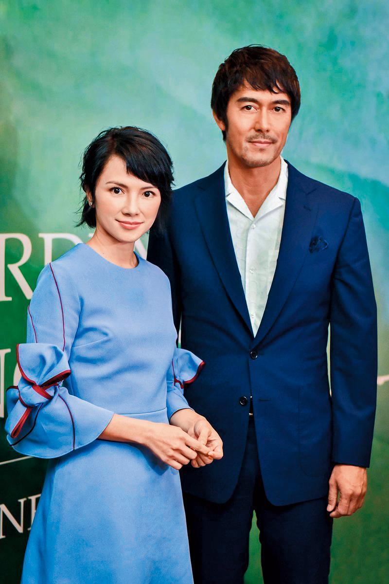 跨國合作的《夕霧花園》結合金馬影后李心潔(左)、阿部寬(右)等堅強陣容,由台灣導演林書宇執導。(HBO Asia提供)