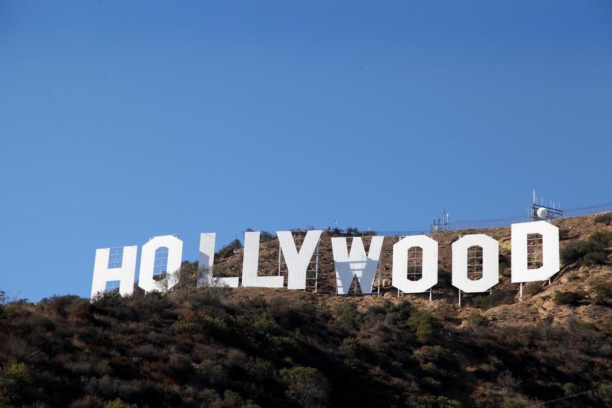 編劇集體解僱經紀人的行動,揭開好萊塢影視產業急遽變化下,經紀公司經營手法不斷翻新、日益壯大,以及多數編劇權益遭犧牲後的反彈。(東方IC)