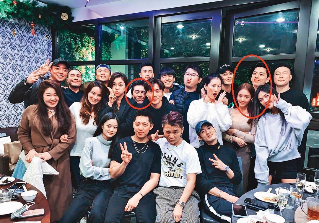 王大陸與Ivy(右紅圈)去年底與友人聚餐,謝睿宸(左紅圈)也在其中,而王大陸更環抱Ivy,像在宣示主權。(翻攝自bobowoo IG)
