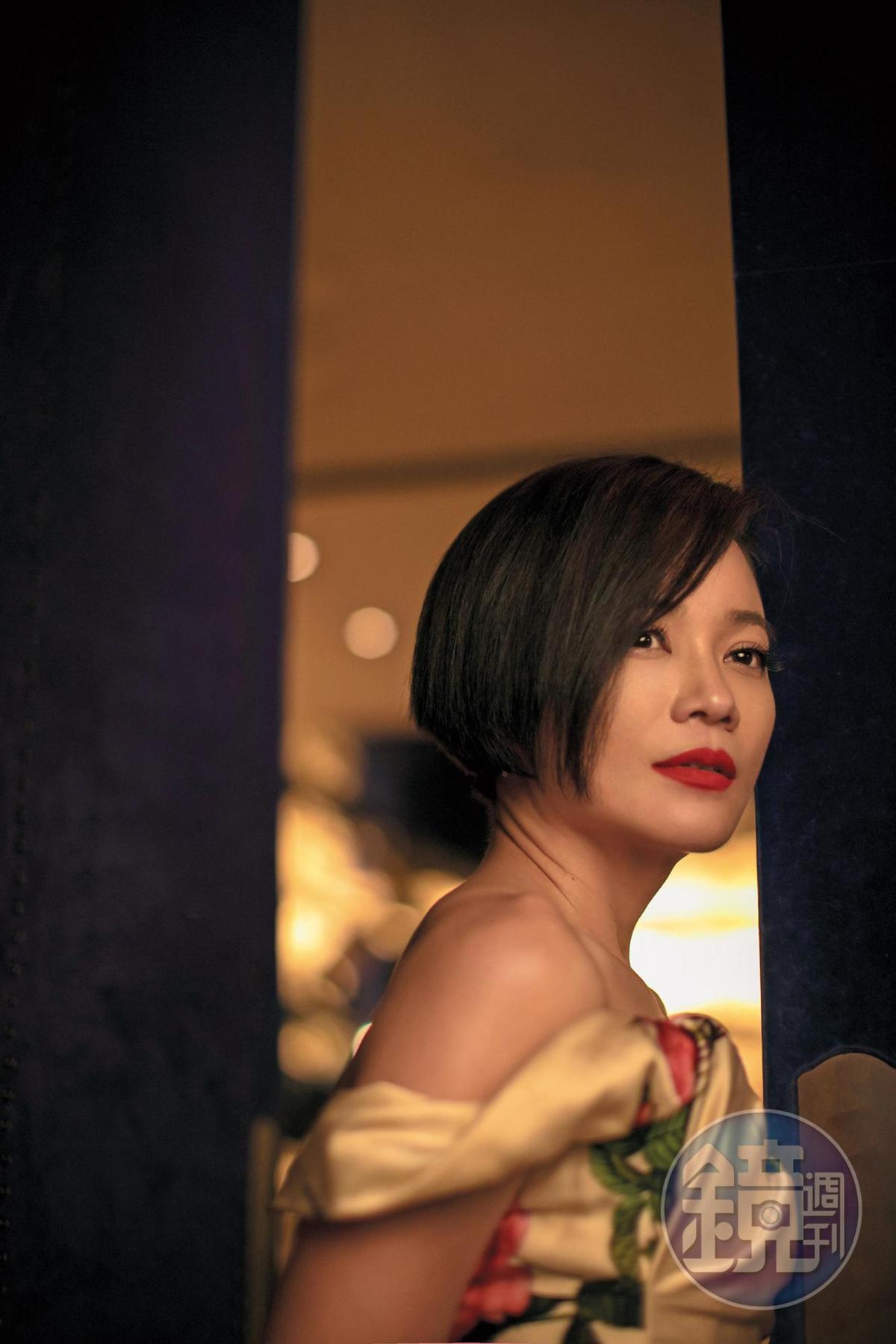 電影《爸媽不在家》 讓楊雁雁拿到金馬獎最佳女配角, 好像從此之後找她的角色, 也都要演媽, 「其實在我還沒當母親之前, 我已經演過很多媽。」