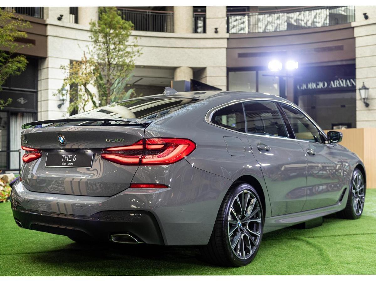 全新BMW 6系列Gran Turismo M Sport車身套件所打造的空力設計,強化了導引輪拱周圍氣流的效果。