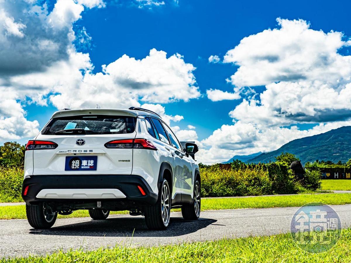 CUV以上SUV未滿,加上全車系標配TSS主動安全系統及七氣囊的加持,以及與轎房車相差無幾的售價,新一代神車之名非她莫屬!!