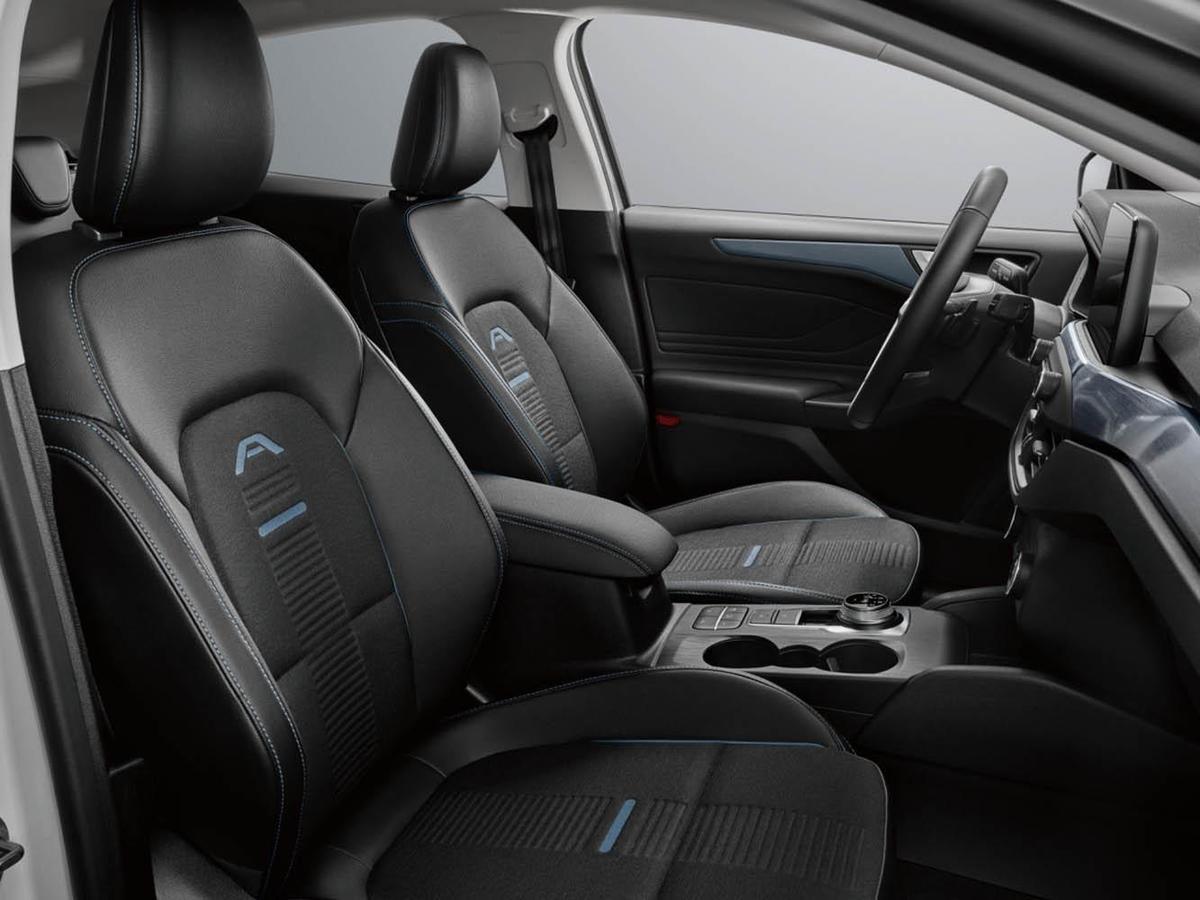 Focus Active配備專屬的特殊座椅,與一般Focus做出區隔。
