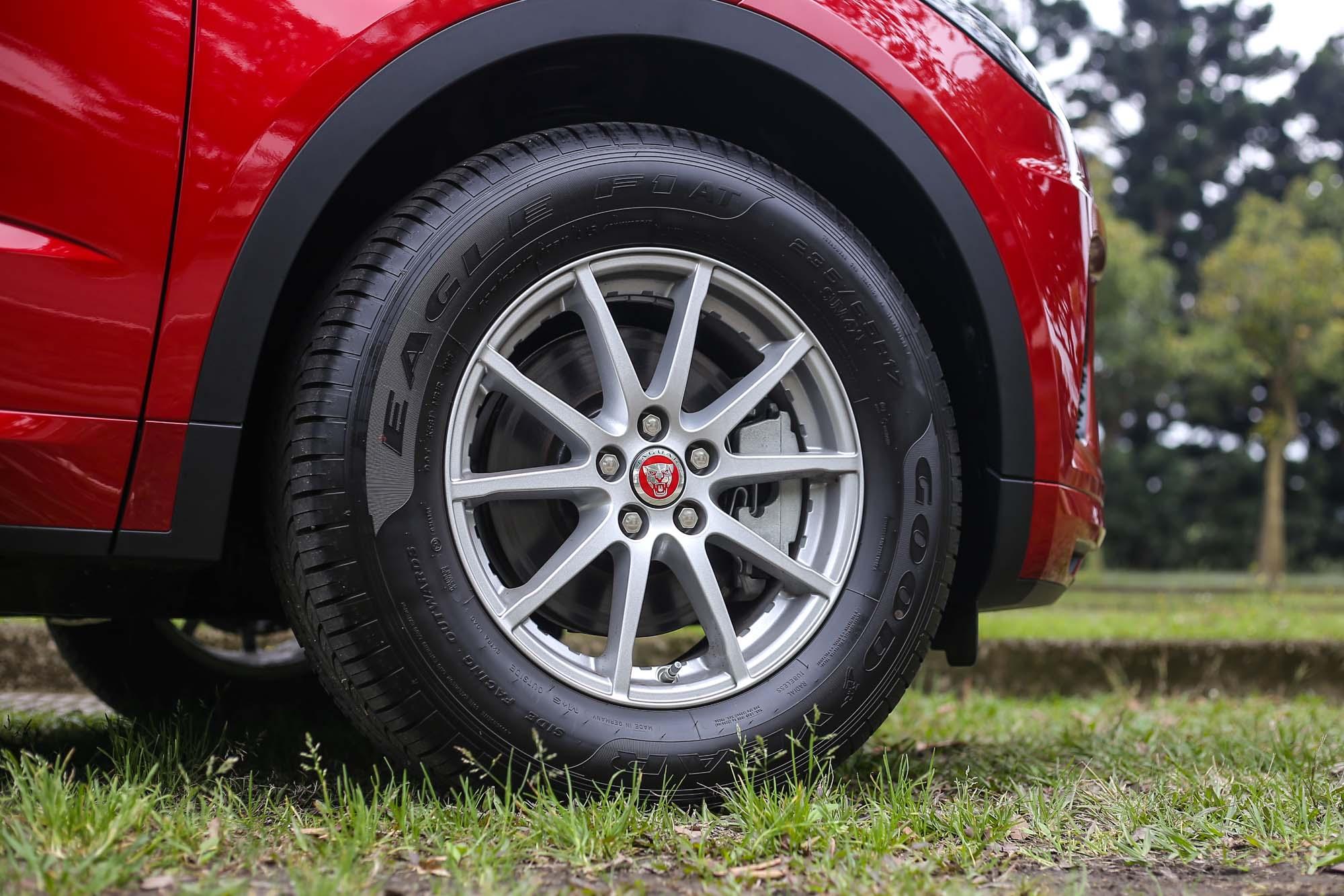 D150 R-Dynamic標配236/65R17的胎圈規格。