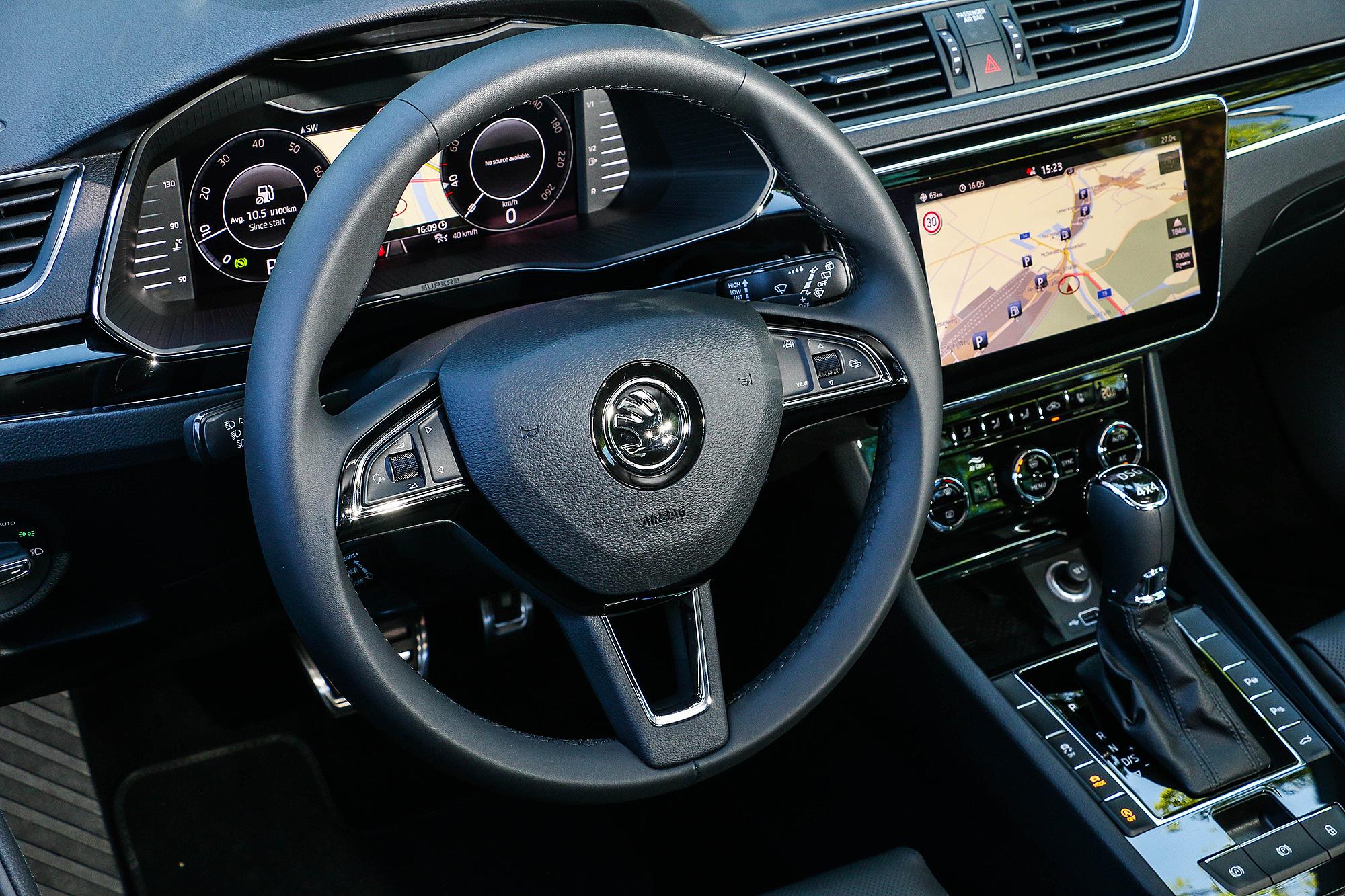 偵測駕駛掌握方向盤的機制較不靈敏,若只是輕握,常會被系統判斷並未掌握方向盤。