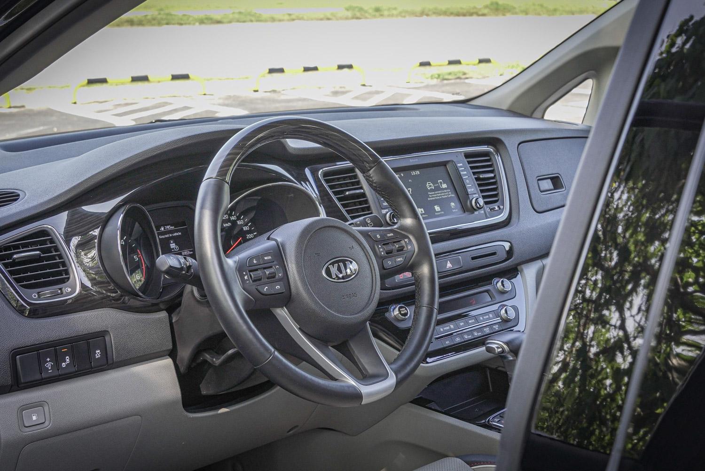 配備多功能方向盤,若如試駕的頂級車型還有方向盤加熱功能。