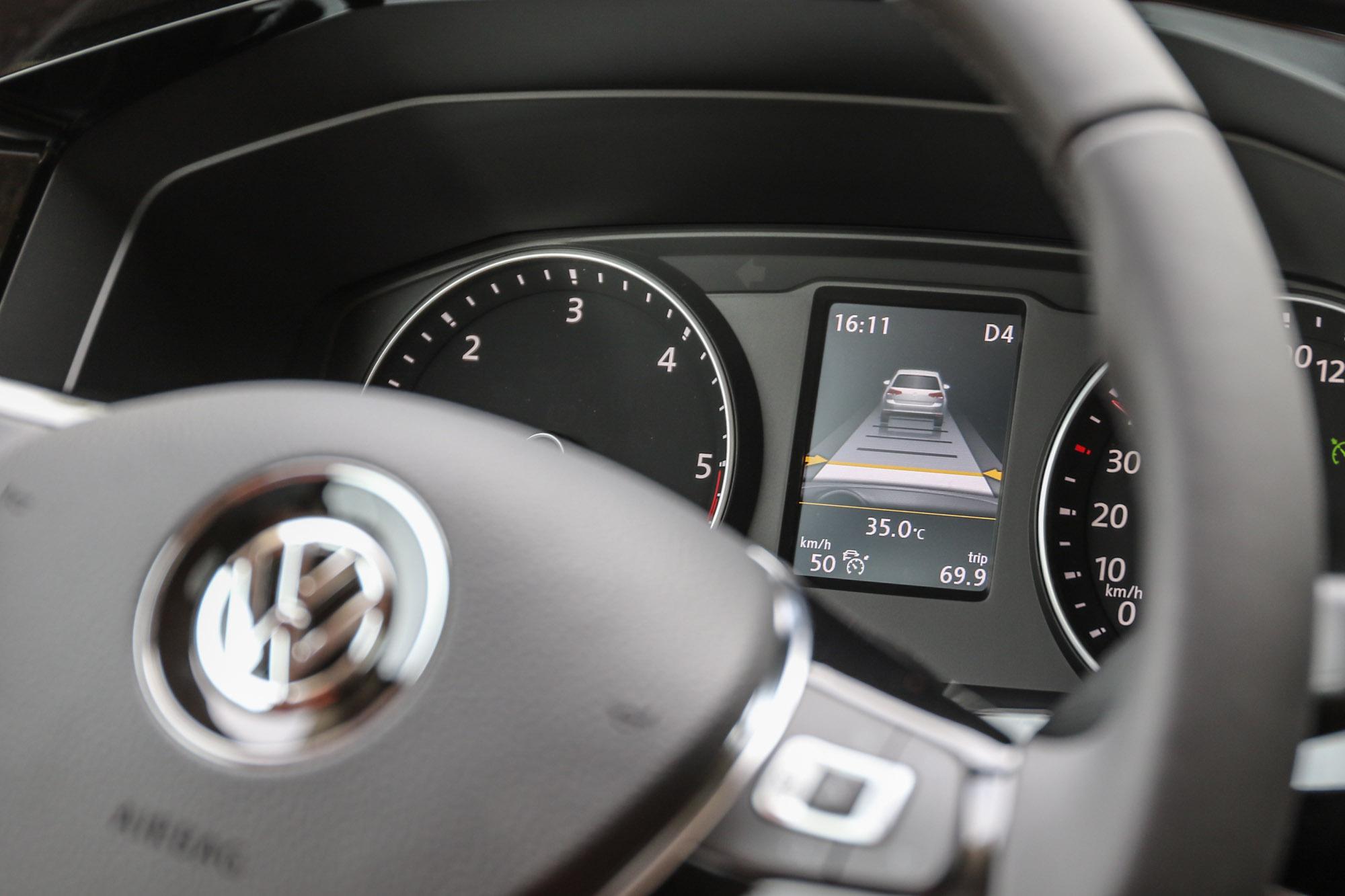 透過簡單操作就可以利用 ACC 功能減少長途行駛時的精神負擔,也有利於行車安全的加分,對於駕駛與乘客都是好事。