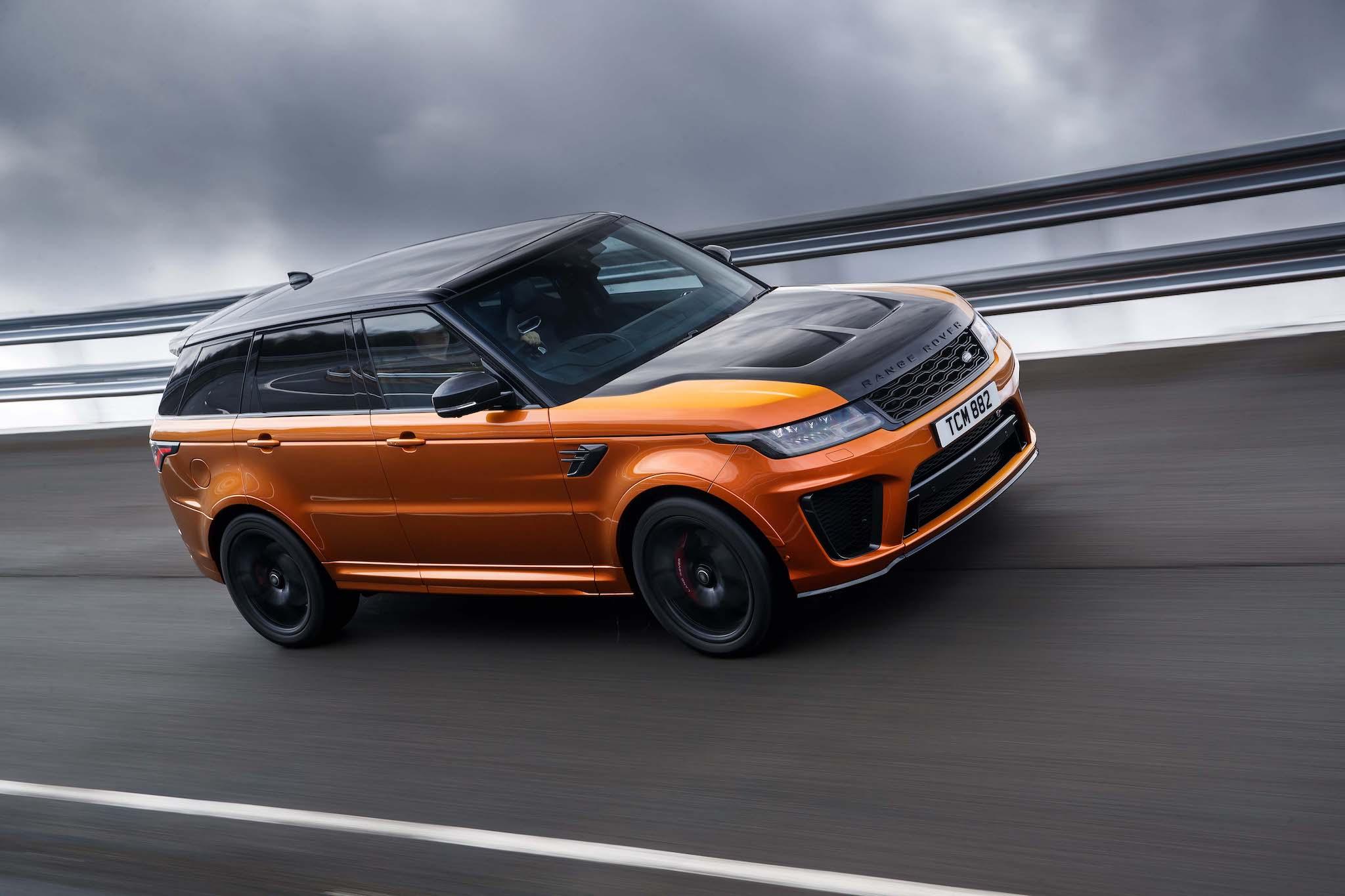 Range Rover Sport SVR。