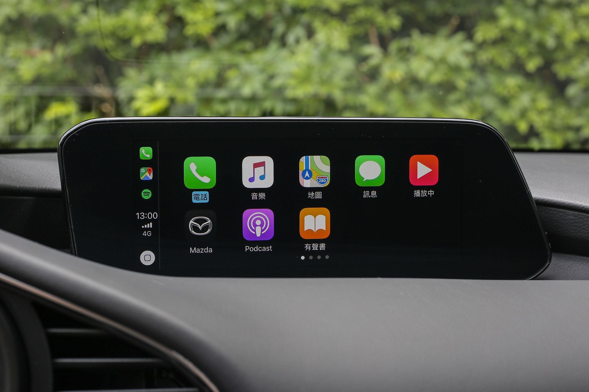 Apple CarPlay 與 Android Auto 系統等智慧手機連結系統是全車系標配。