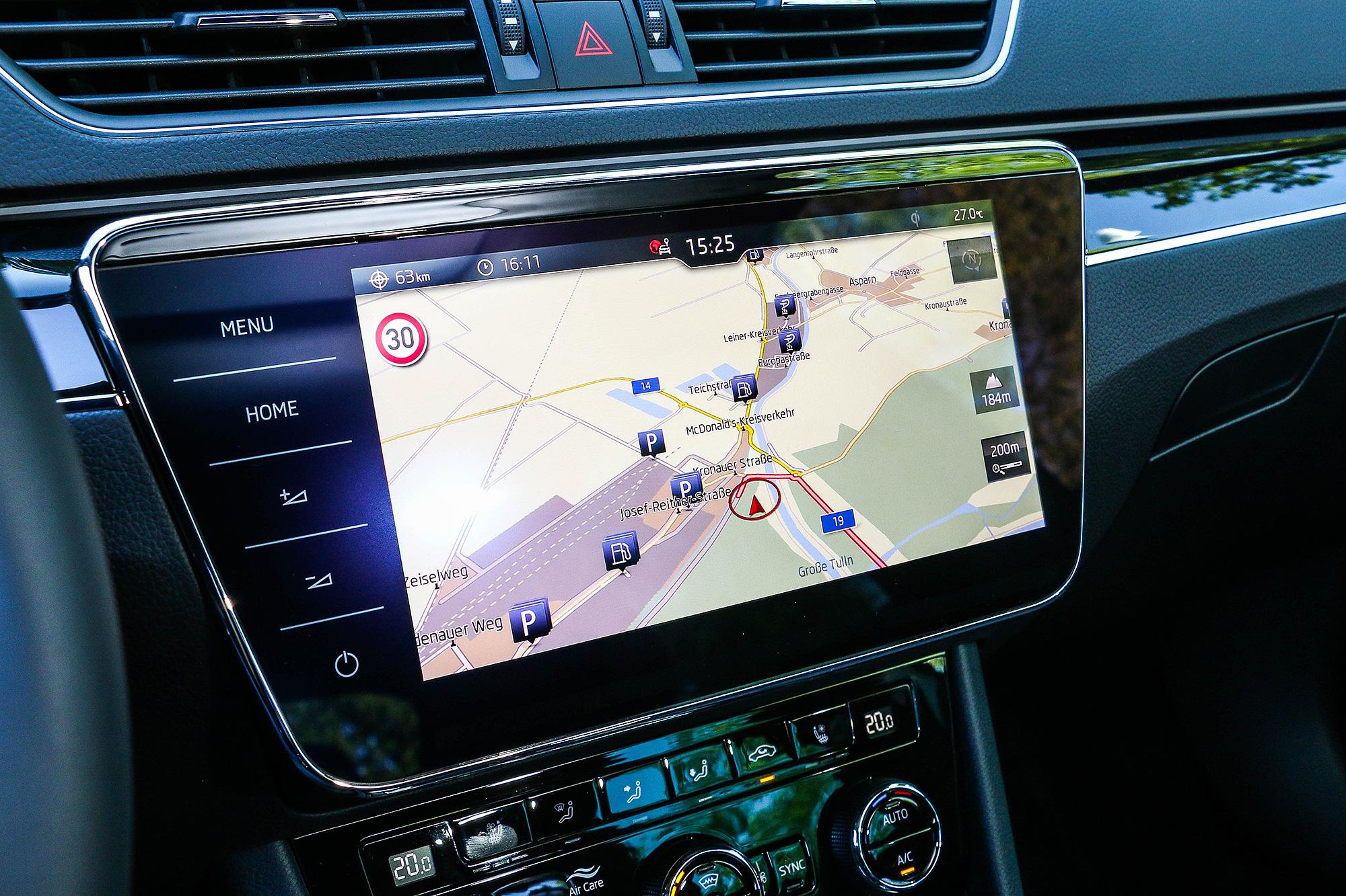 9.2 吋的中控台螢幕暫時還是缺席在台灣規格的車型上。