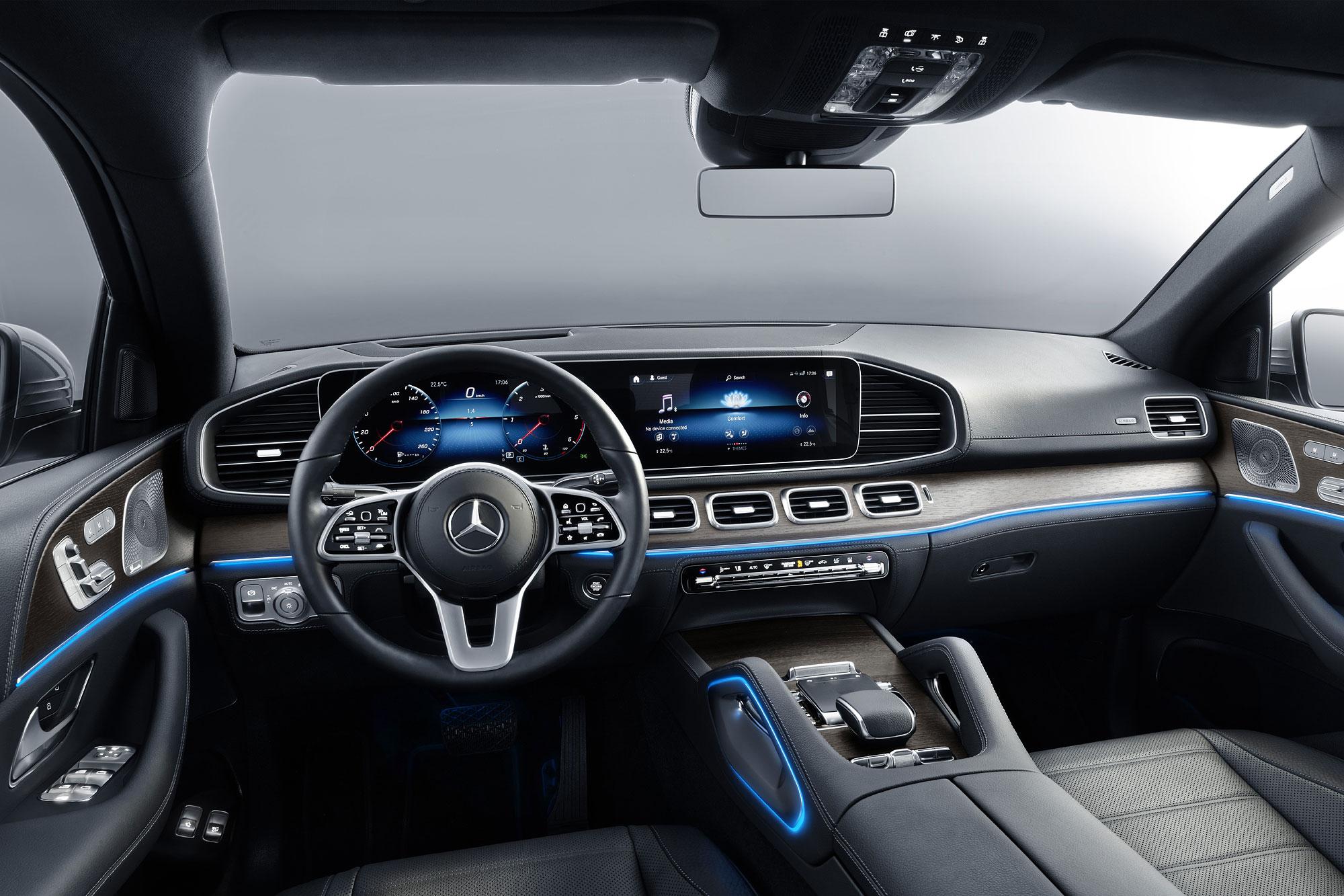科技化的座艙鋪陳,追隨上 Mercedes-Benz 新世代家族產品的腳步。
